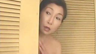 Mature Japanese wife gets fucked in focus attention