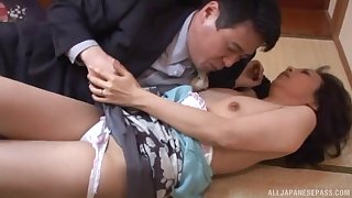 Shy looking Japanese mature ends apropos bonking like a whore