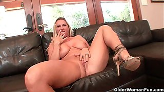 Be in charge milf Devon Lee gets creampied by older guy