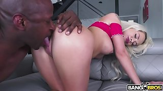 Goddess Elsa Jean Fucks A Thick Cock