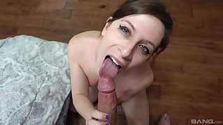 Brunette chick Shelby Paris drops on her knees to give a blowjob
