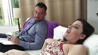 Horny cougar Rulership Syre gives a blowjob and gets fucked hard