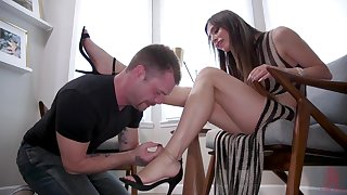 Obstinate tranny fucks her duteous lover in the ass