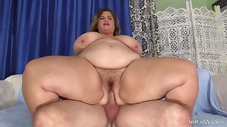 Plumper Hayley Jane Bounces on Baffle Meat